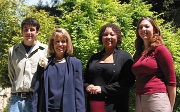 Photo of Senator Jackie Speier with UCSC students