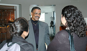 Kelvin Filer meets with students